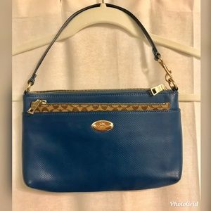 Teal Coach Purse/Wristlet with Pop Out Pouch